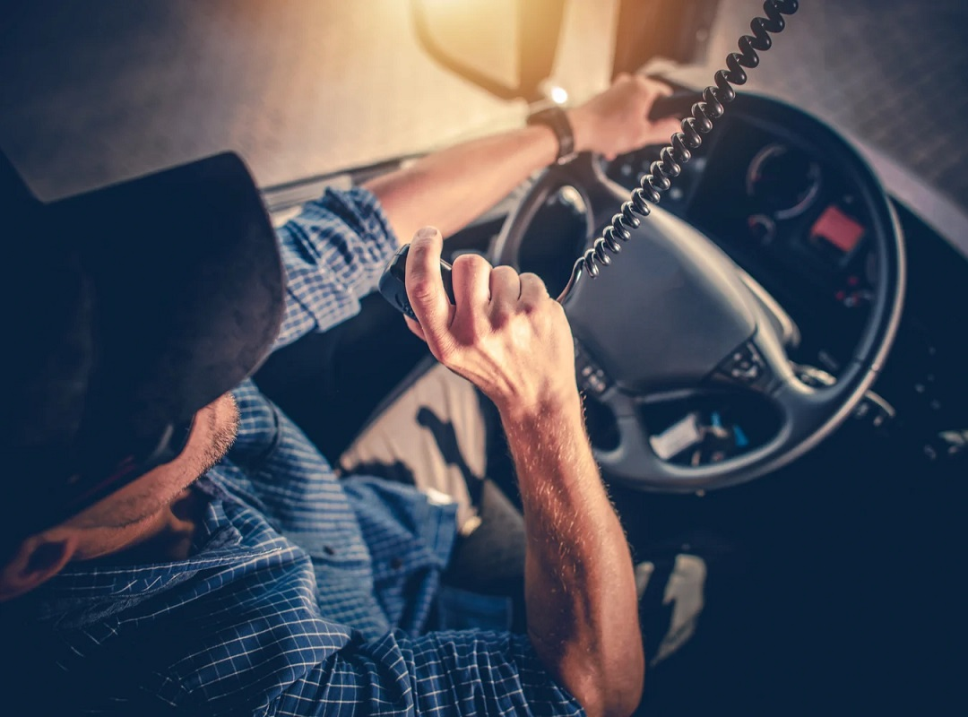 trucking companies that hire new drivers